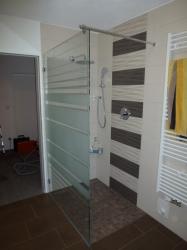 2-10-duschebereich-ohne-glas-tc3bcre
