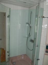 5.14-Glasrückwände-und-Duschkabine-Sanierung-wegen-ausgewaschener-Zementfugen