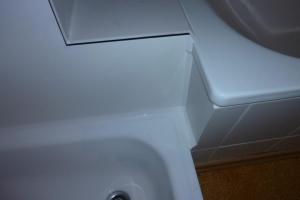 12.03e Nachher: defekter Fliesenbelag war undicht und drunter Rigips, jetzt Wasserdichter Untergrund mit Kunststoffplatte