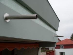 13.05 Eingebaute und abgedichtete Wasserabläufe in Balkonen