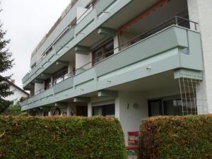 13.06 Eingebaute und abgedichtete Wasserabläufe in Balkonen