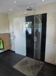 9.04 Duschkabine 3-seitig - Glas ohne Türe - alle Glasscheiben mit Silicon gegeklebt